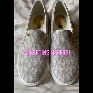 ❕❕MICHAEL KORS Keaton white slip ons❕❕